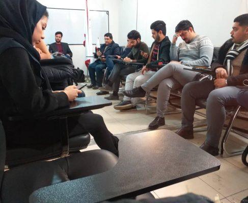 جلسه با کمیته جوانان در خصوص روش های پیاده سازی اشتغال پایدار